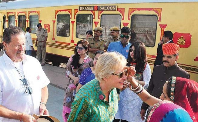palace on wheels journey